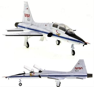 "HOBBY MASTER | NASA NORTROP T-38A TALON CHASE PLANE SPACE SHUTLE""COLUMBIA"" 1982 