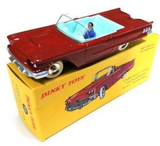 DINKY TOYS | FORD THUNDERBIRD CABRIOLET MET FIGUUR | 1:43