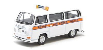 OXFORD DIECAST | VOLKSWAGEN BAY WINDOW RAF POLICE 1969 | 1:76