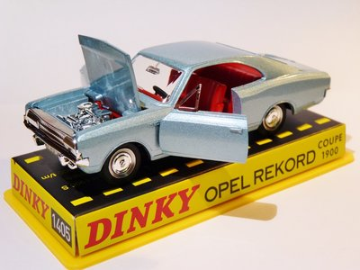 DINKY TOYS   OPEL RECORD 1900 COUPE 1965   1:43